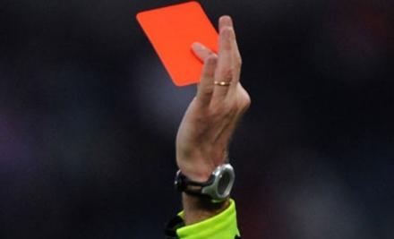 COLLEGNO - Aggredì larbitro durante una partita: squalificato per due anni
