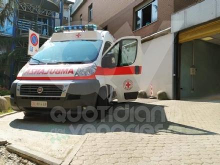 RIVOLI - La «navetta» della Croce Rossa per portare i cittadini a vaccinarsi o a fare il tampone