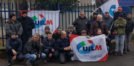 ROBASSOMERO - Sit-in di protesta alla Machiper: lazienda vuole trasferirsi nellEst Europa?