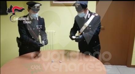 RIVOLI - La droga la nascondeva dietro le prese elettriche: arrestato 49enne