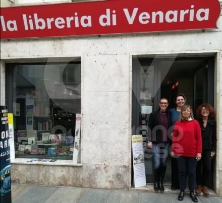 VENARIA - Quattro amiche e una grande passione per i libri: così riparte lunica libreria della città