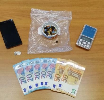 BORGARO-VENARIA - «O mi paghi la droga o per te sono guai»: 39enne arrestato per estorsione