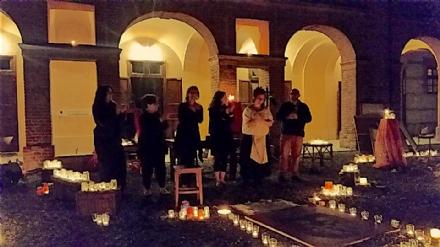 VENARIA - Giovedì parte la terza edizione di «12,6 Lumen»,  il Festival teatrale a lume di candela