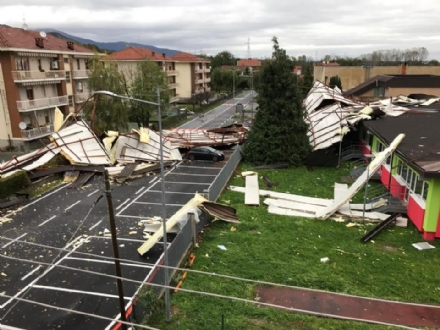 CAFASSE - Assessore regionale allIstruzione in visita alla scuola media colpita dal maltempo
