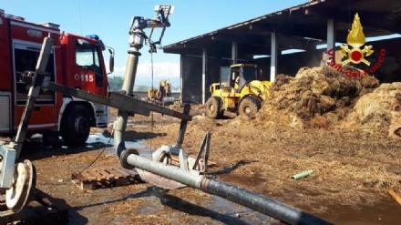 BORGARO-VILLARETTO - Spento lincendio al cascinale dopo oltre 30 ore