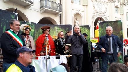 VENARIA - Real Carnevale, Falcone: «Il ritorno dei carri? Cè bisogno di investimenti e sponsor»