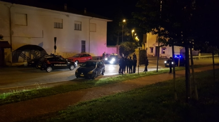 CASELLE - Non si ferma allalt e tenta di investire la polizia: inseguimento da film con arresto finale