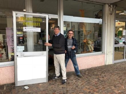COLLEGNO - I ladri prendono di mira il negozio «Ottica Bruno»: danno da mille euro