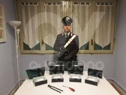 TORINO-ROBASSOMERO - Ladri di navigatori satellitari: in manette una 31enne robassomerese