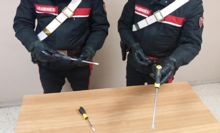 Da Strada dellAeroporto a Ivrea per rubare in casa: baby ladre finiscono nei guai