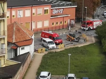 COLLEGNO - Fuga di gas in via San Massimo: intervento dei vigili del fuoco