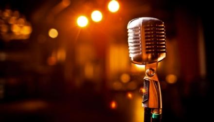 VENARIA - Una gara di karaoke per beneficenza grazie allassociazione «Noi Con Voi»