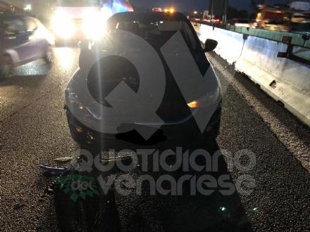 COLLEGNO - Tamponamento in tangenziale: tre auto coinvolte e quattro feriti - FOTO