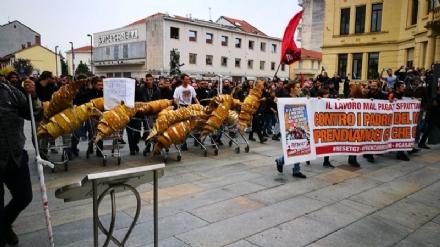 VENARIA - Scontri G7 a Venaria: arrestati due leader di Askatasuna