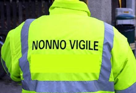 COLLEGNO - Si cercano nuovi «Nonni Vigile» per il prossimo anno scolastico