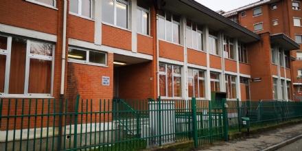 BORGARO - Palestra della scuola chiusa: cè una crepa «sospetta» nel soffitto