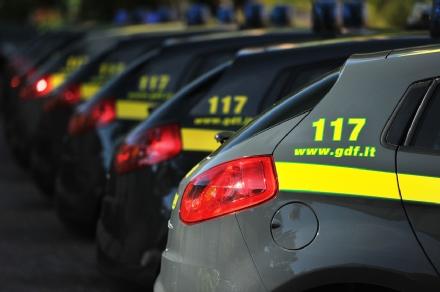 PIANEZZA - Vendono accessori per auto contraffatti: due imprenditori denunciati dalla guardia di finanza