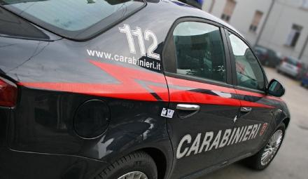 VENARIA - Picchia moglie e suocero davanti alla figlia piccola: arrestato dai carabinieri