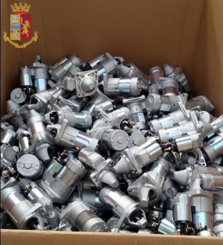 RIVOLI - In un magazzino di Cascine Vica erano nascosti compressori e motorini rubati