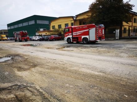 ROBASSOMERO - Allarme incendio: attimi di paura in una ditta della zona industriale
