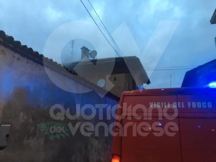 CASELLE - La lavatrice va in corto: alloggio distrutto dalle fiamme in via Gibellini - FOTO