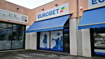 VENARIA - Ladri in azione nel centro scommesse: rubato un cambiamonete