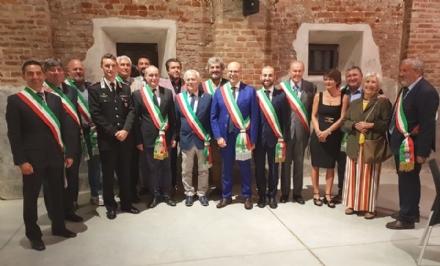 RIVOLI - Il saluto e i ringraziamenti dei sindaci al capitano Luca Mariano