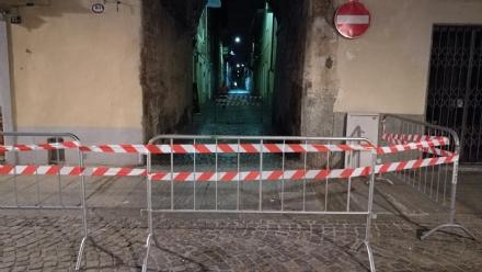 VENARIA - Calcinacci in via Mensa. Il sindaco firma lordinanza per la messa in sicurezza dello stabile
