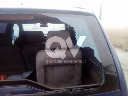 VENARIA - Spaccati i vetri delle auto parcheggiate alle Case Snia - LE FOTO