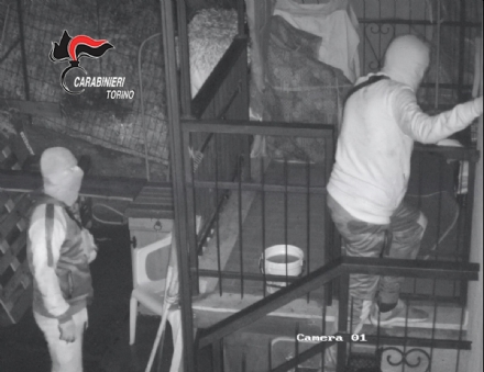 RIVOLI-VENARIA-MAPPANO - Furti a raffica in abitazione di giorno e di notte: 5 in manette
