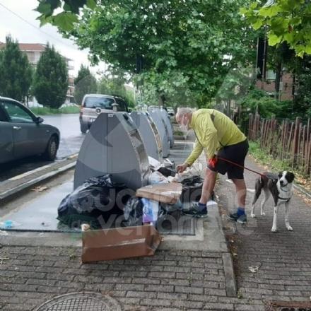 COLLEGNO - Rifiuti abbandonati a Leumann: il sindaco trova dei documenti e fa denunciare gli autori