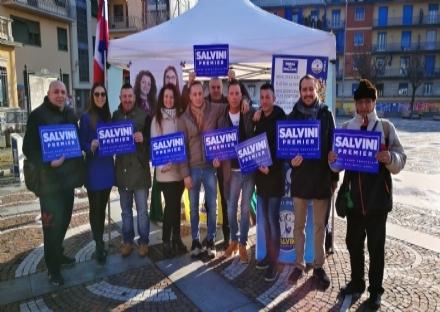 VENARIA - La Lega scende in piazza per difendere il Ministro Salvini