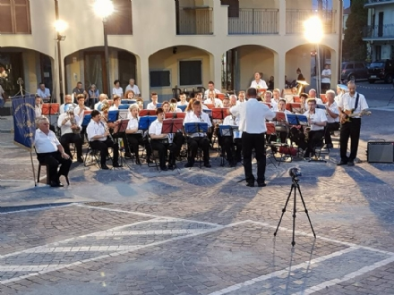 FIANO - La Filarmonica Fianese strappa gli applausi del pubblico nel «Concerto dEstate»