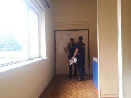 VENARIA - Dopo più di tre anni, tolti i sigilli al secondo piano dell'asilo Banzi