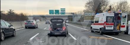 INCIDENTE IN TANGENZIALE - Scontro fra due auto vicino allo svincolo per Caselle: due feriti