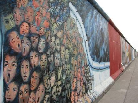 DRUENTO - Una serata sul muro di Berlino a 30 anni dalla sua caduta