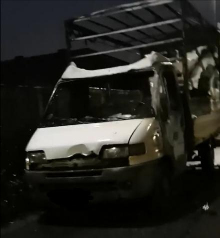 RIVOLI - Furgone a fuoco in viale Firenze: secondo caso in poco più di un mese