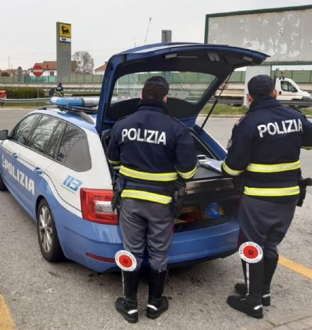 TORINO-BORGARO-RIVOLI - La polizia stradale stanga i «furbi del caffé»: verbali da 522 euro