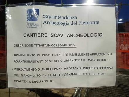 VENARIA - In viale Buridani spunta il «cantiere scavi archeologici»