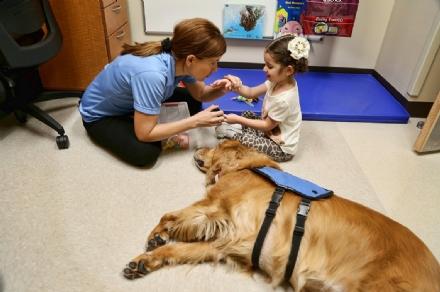SANITA - LAsl To3 cura lautismo con la pet therapy grazie allassociazione CONteSTO