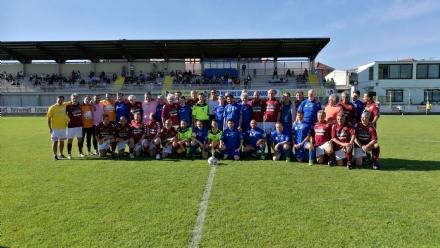 BORGARO - Tra la Nazionale dello Spettacolo e gli Ex calciatori granata vince la beneficenza