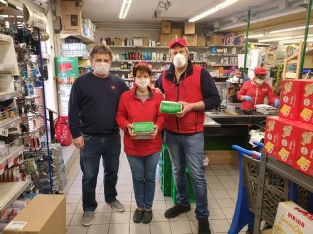 DRUENTO - 1.300 mascherine donate dal consigliere Sferlazza e dal Pd a commercianti, agricoltori e cittadini