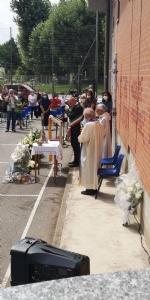 COLLEGNO - Lacrime e tanta commozione ai funerali del piccolo Riccardo Celoria - FOTO - immagine 10
