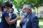 COLLEGNO-GRUGLIASCO - I bambini dei centri estivi hanno ringraziato i medici dellAsl To3 - FOTO - immagine 10