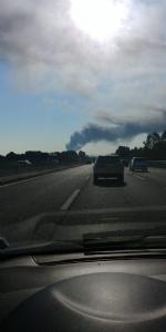 INCENDIO A SETTIMO - A fuoco una ditta, colonna di fumo visibile anche dalla tangenziale FOTO - immagine 10