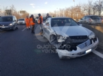 INCIDENTE SULLA TORINO-CASELLE - Camion si ribalta: tre feriti, caos e code sul raccordo - FOTO - immagine 10