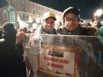 VENARIA - Tante «sardine» venariesi alla manifestazione di questa sera in piazza Castello - immagine 11
