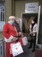 VENARIA - Un panettone a sindaco, forze dellordine e associazioni di volontariato: il «grazie» della Pro Loco - immagine 11