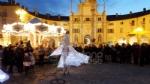 VENARIA - Il grande cervo in piazza Annunziata è stato illuminato: il Natale è iniziato in città - immagine 11