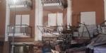 BORGARO - CROLLA IL PONTEGGIO DI UN PALAZZO: ATTIMI DI TERRORE IN VIA INGHILTERRA - FOTO - immagine 11